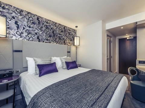 http://www.accorhotels.com/A002